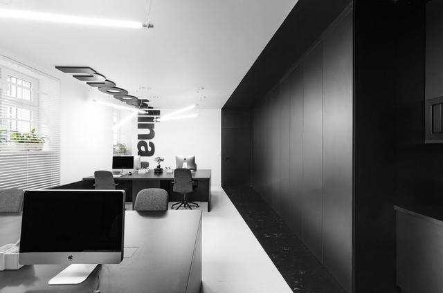 办公室黑白简约风格装修效果图