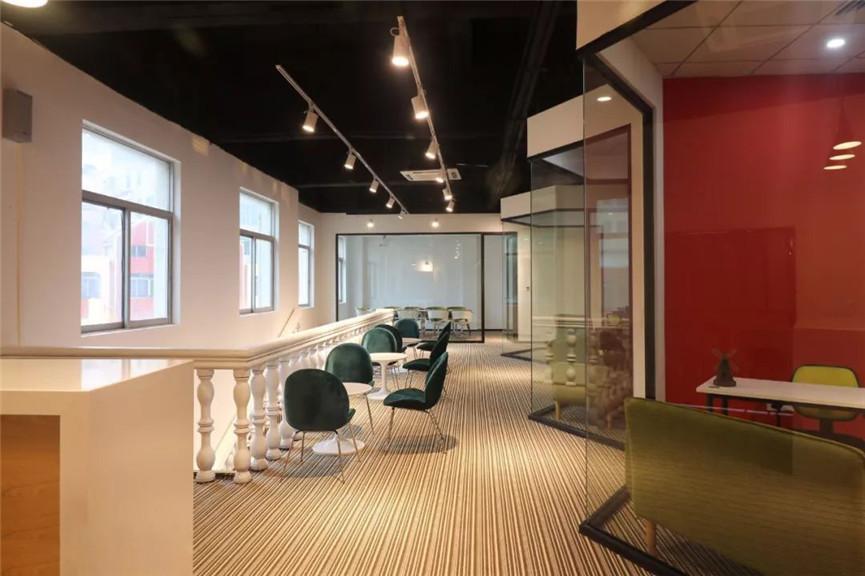 网红公司办公室装修效果图
