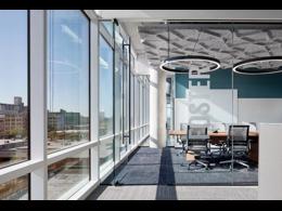 办公室玻璃隔断报价 办公室玻璃隔断多少钱一平