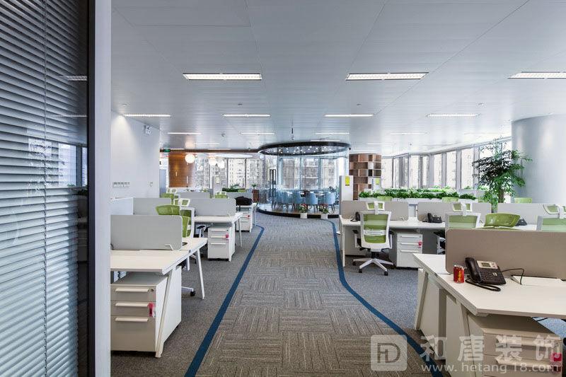 中民新能子公司办公室员工办公区域.jpg