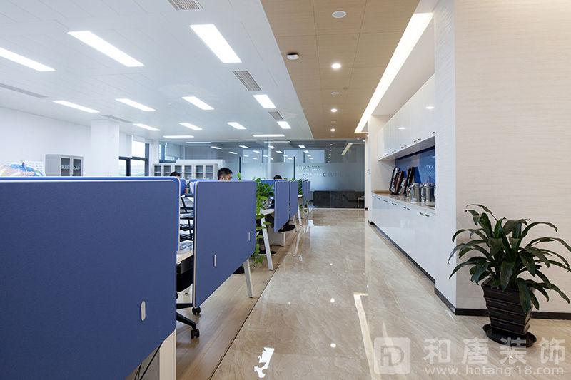 21办公区实景图.jpg.jpg